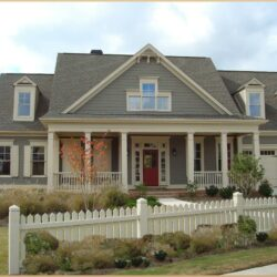 Choosing Exterior House Paint Color 1