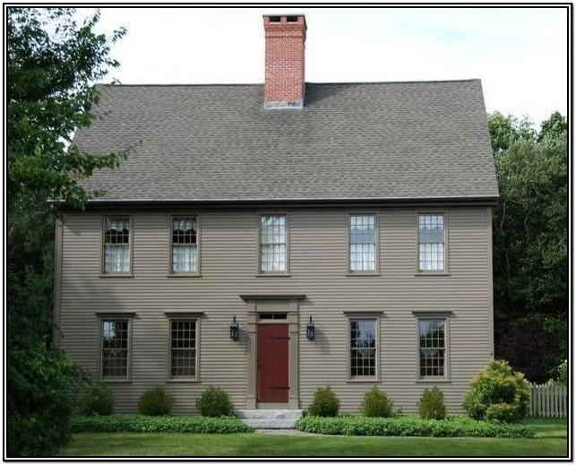 Traditional Colonial Exterior House Colors