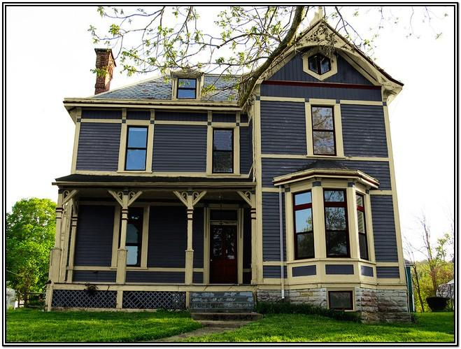 Traditional Farmhouse Exterior Paint Colors