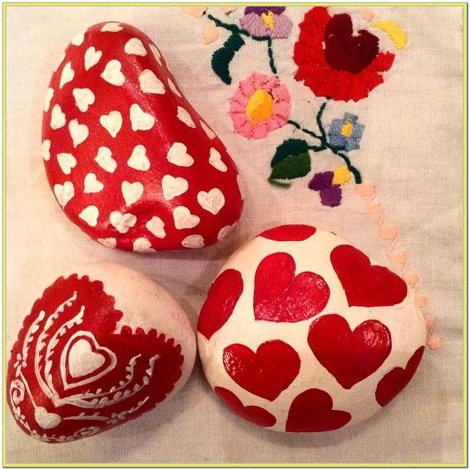 Valentine's Day Rock Painting Ideas