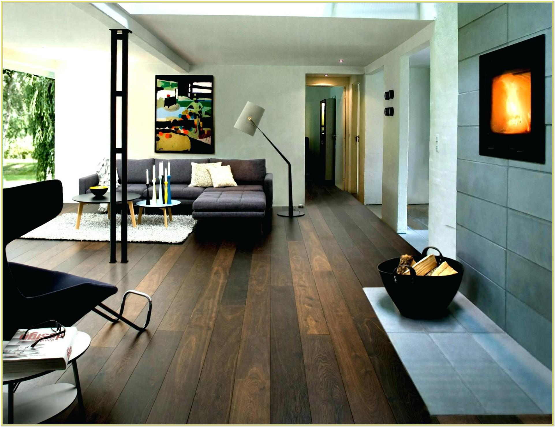 How To Decorate A Living Room With Wood Floors