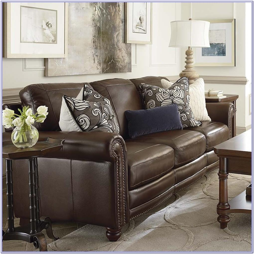 Living Room Decor With Leather Furniture