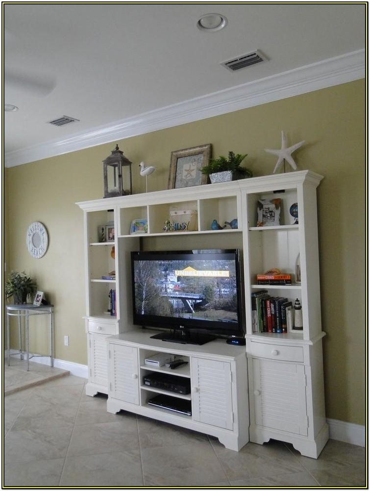 Living Room Entertainment Center Decorating Ideas